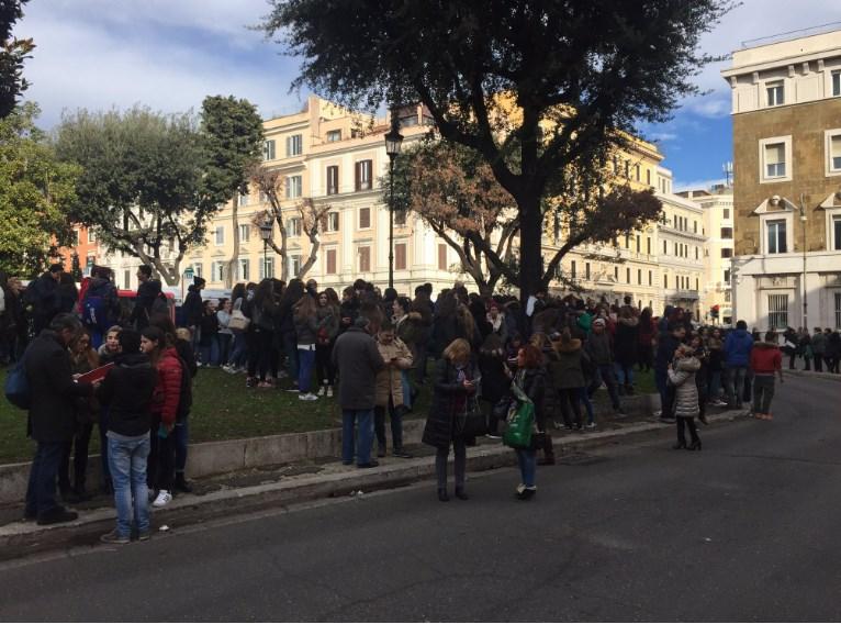 İtalya'nın başkenti Roma'da deprem