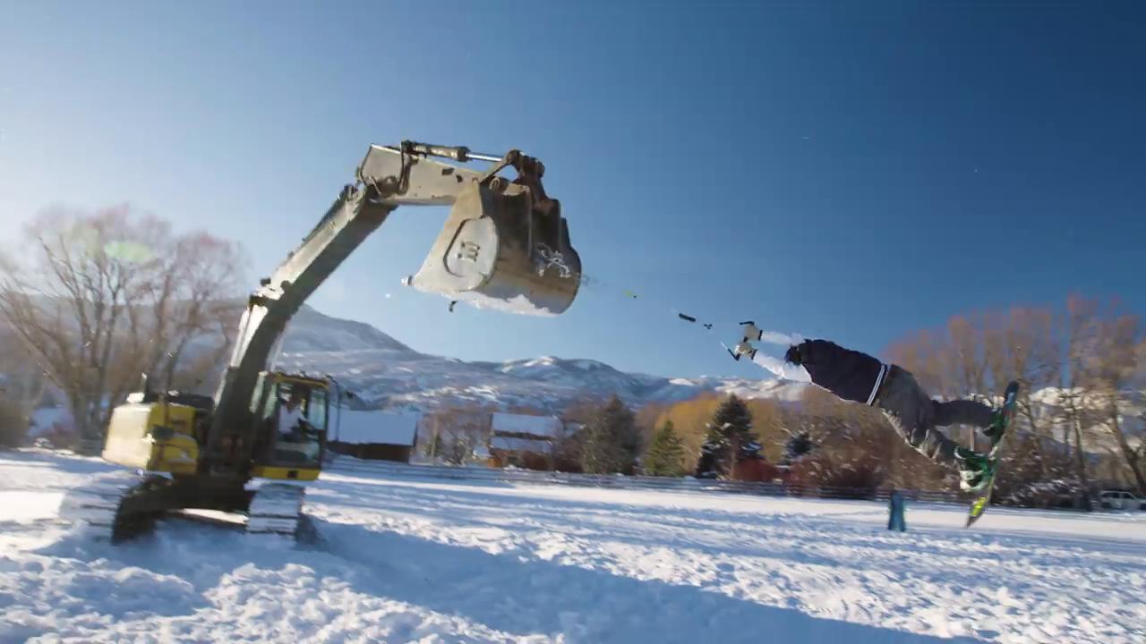 İş makinesiyle kayak keyfi