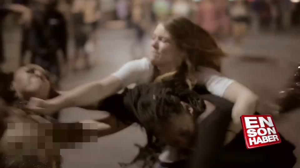 Sarhoş kızların sokak kavgası