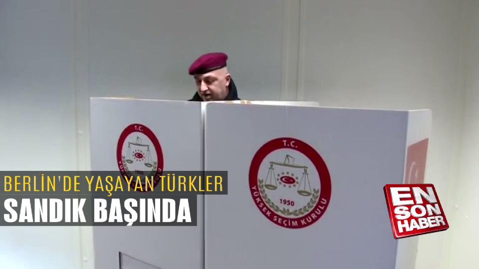 Berlin'de yaşayan Türkler sandık başında