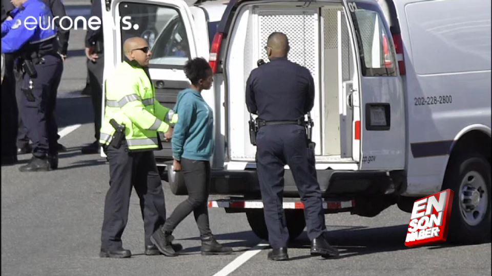 Washington'da polislerin üzerine aracını süren kadın