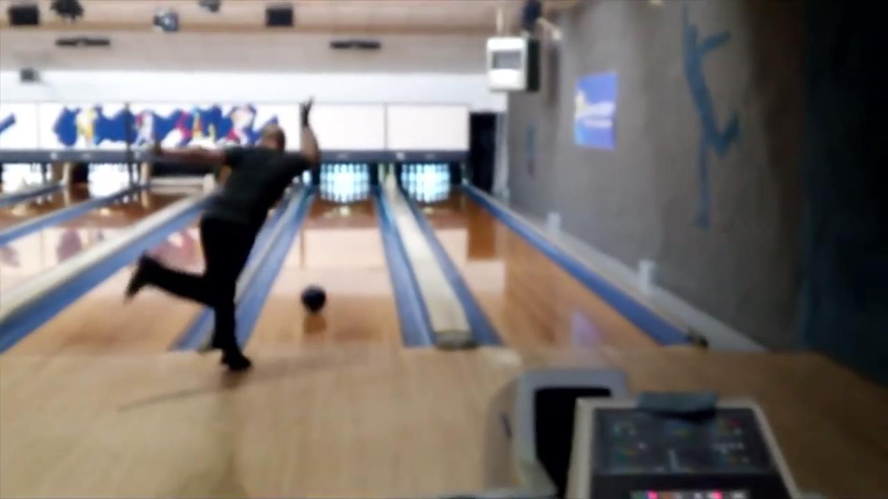 90 saniyede 12 strike yapan bowling oyuncusu