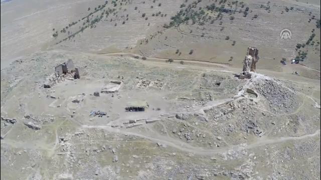 Diyarbakır'da bin 700 yıllık yer altı tapınağı bulundu