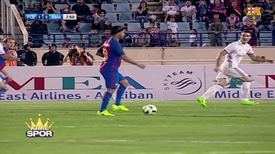 Real Madrid-Barcelona maçında Ronaldinho şov