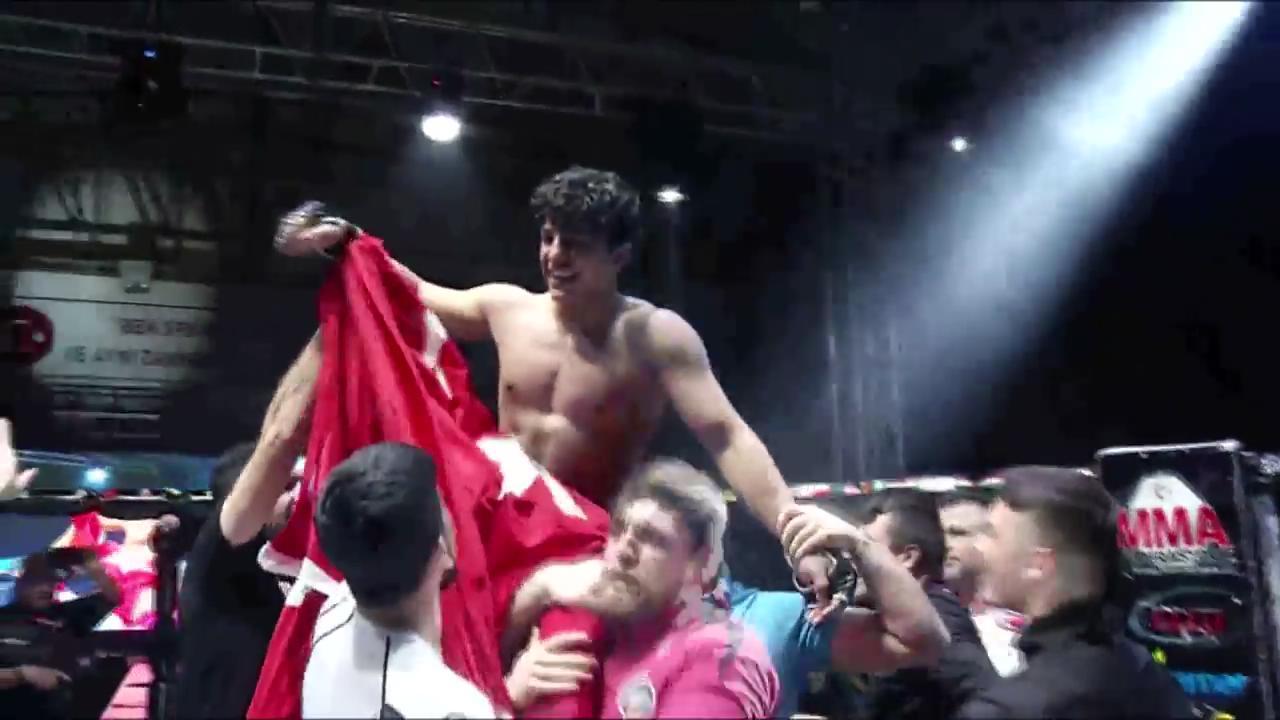 Rus rakibini nakavt eden Kadir dünya şampiyonu oldu
