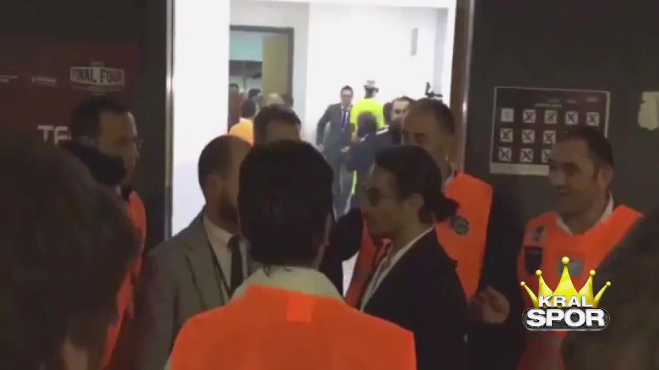 Nusret'i Fenerbahçe soyunma odasına almadılar