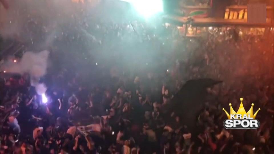 Beşiktaş semtinde çoşkulu kutlama