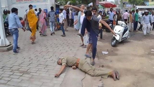 Hindistan'da yoğun bakımda tecavüz halkı sokağa döktü