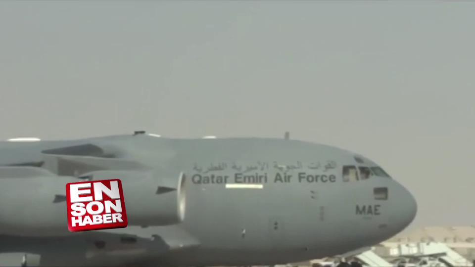 Türk askerleri ve zırhlı araçları Katar'da