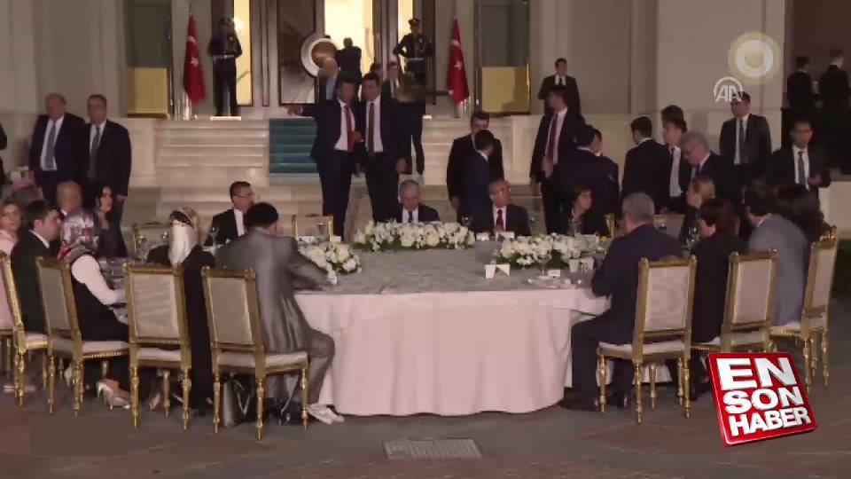 Başbakan Yıldırım'dan personele iftar yemeği