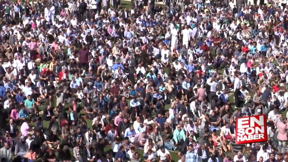 25 bin kişilik bayram namazı