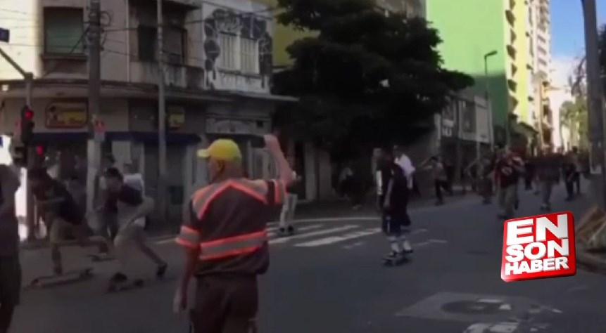 Brezilya'da kaykaycıların arasına araç daldı: 3 yaralı