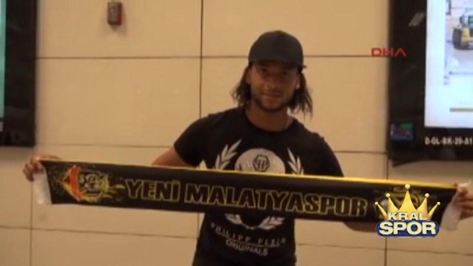 Evkur Yeni Malatyaspor'un stoperi Arturo Mina İstanbul'da