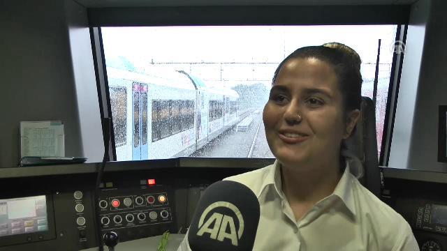 Hollanda'nın Türk asıllı kız en genç bayan tren makinisti