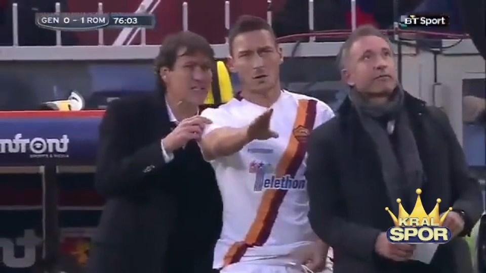 Totti pazubandının kendisine verilmesini istemedi
