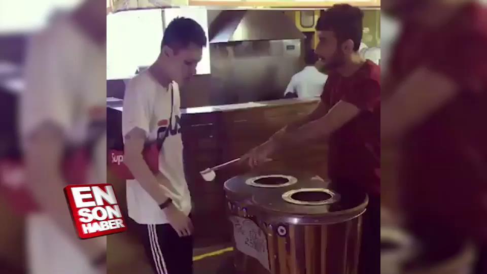 Maraş dondurmacısı Japon turisti çıldırttı