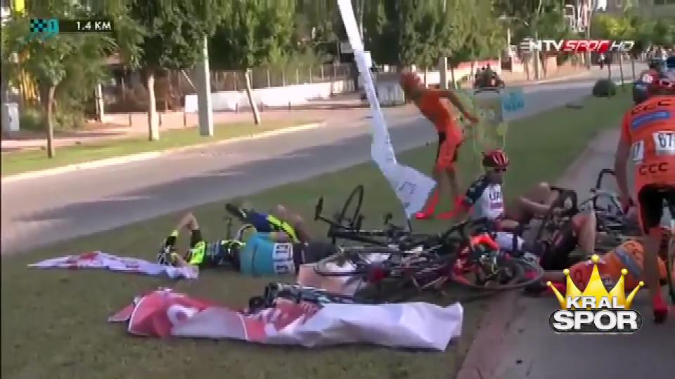 Cumhurbaşkanlığı Bisiklet Turu'nda korkutan kaza
