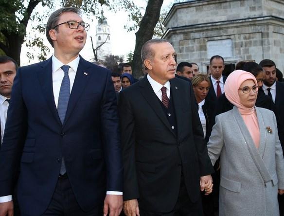 Sırbistan'da Cumhurbaşkanı Erdoğan'a sevgi seli