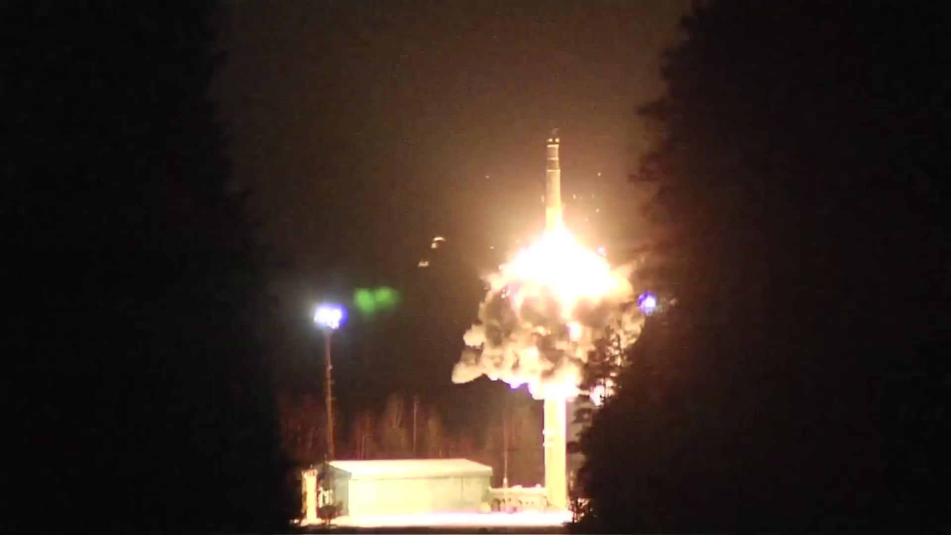 Rusya balistik füze fırlattı