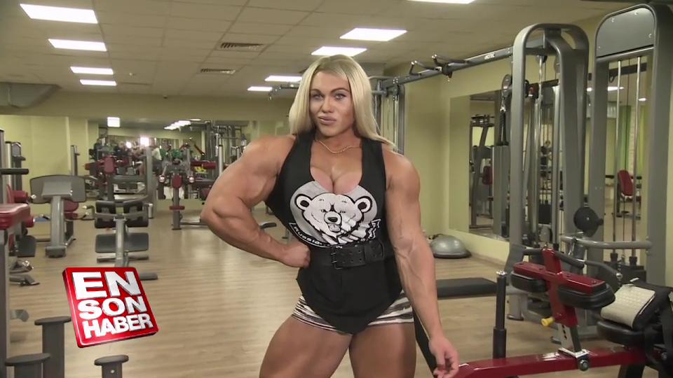 Rusya'nın en kaslı kadını