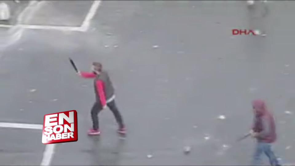 Kağıthane'de iki taraftar grubunun döner bıçaklı kavgası