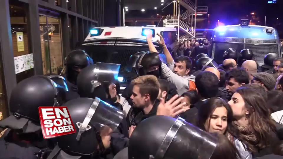 Katalonya'da ayrılıkçılar tren istasyonunu işgal ettiler