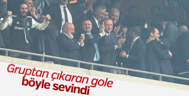 Cumhurbaşkanı Erdoğan Beşiktaş maçında tribünde