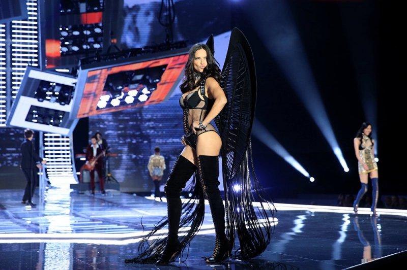 Victoria's Secret'ın Şanghay defilesi