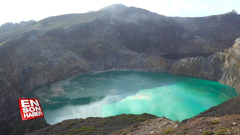 Endonezya'da renk değiştiren göller