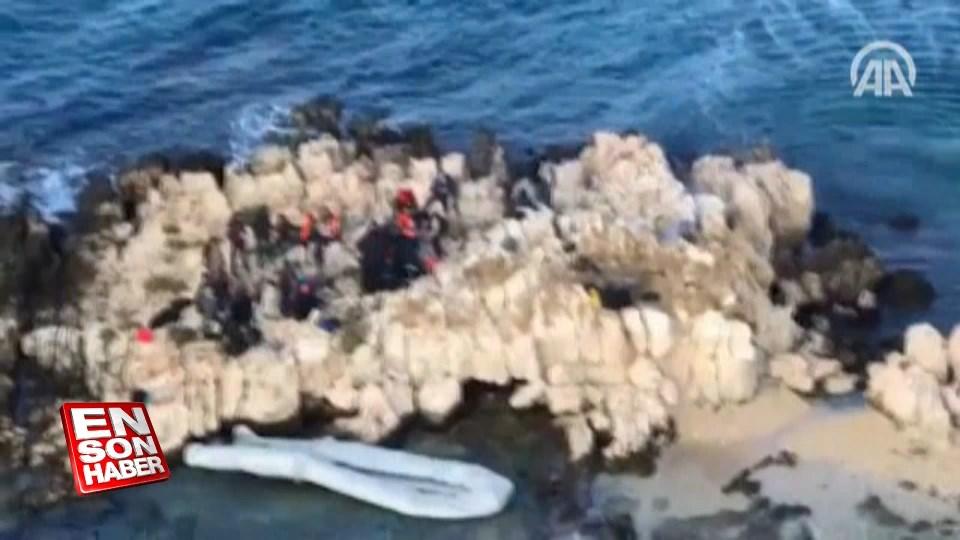 Göçmenler kayalıklarda mahsur kaldı