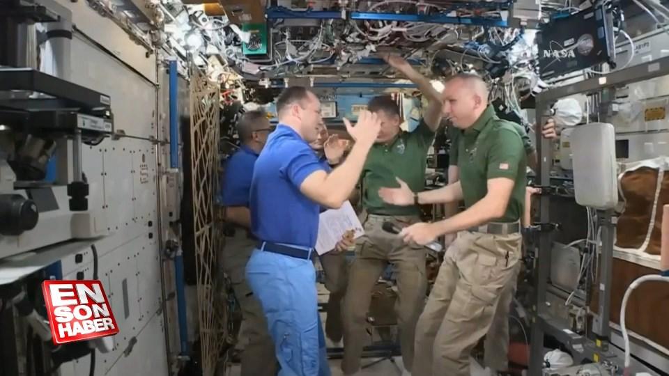 Üç astronot uzaydan dönüş yaptı