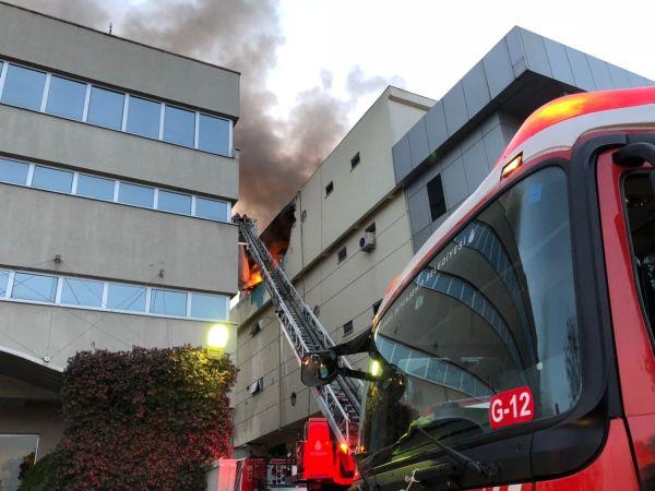Bağcılar'da tekstil fabrikasında patlama ve yangın