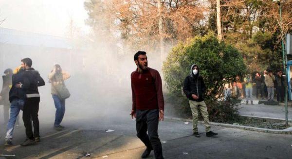 İran'da tansiyon giderek yükseliyor