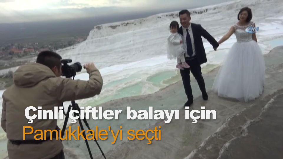 Çinli çiftler balayı için Pamukkale'yi seçti