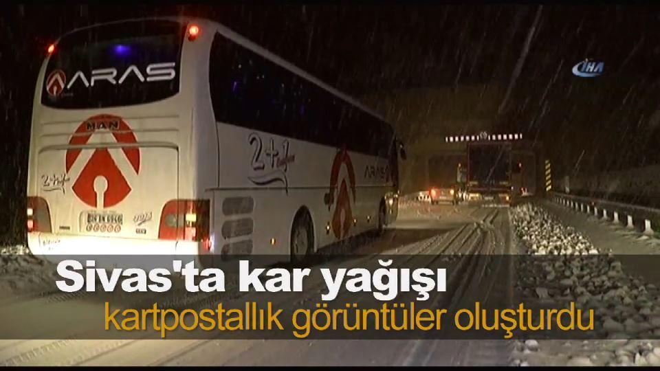 Erzincan-Sivas karayolu ulaşıma kapandı, araçlar yolda mahsur kaldı
