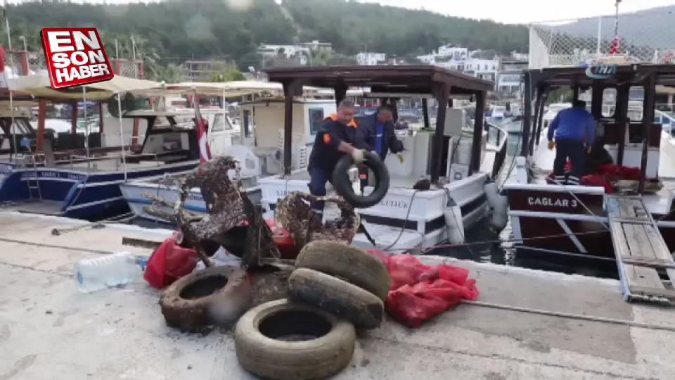 Güvercinlik sahilinde yarım ton atık çıkarıldı