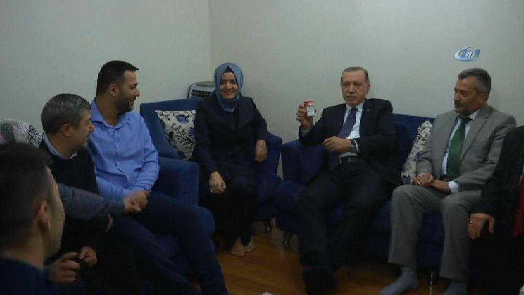 Erdoğan 15 Temmuz gazisine sigarayı bıraktırdı