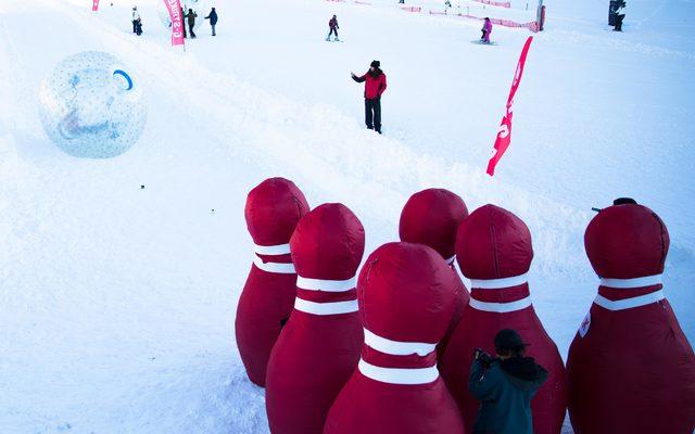 Tatilcilerin yeni eğlencesi Canlı Bowling