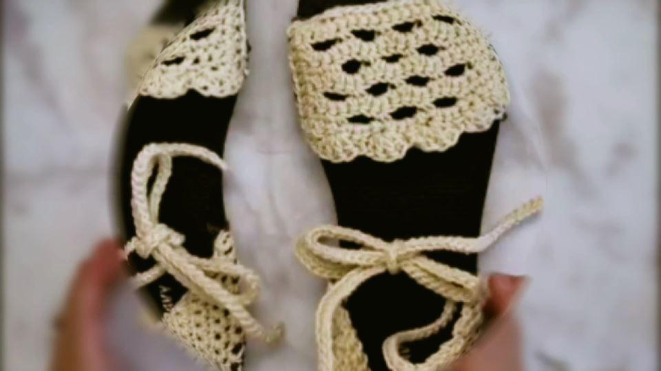 5 liralık plastik terlikleri şık bir sandalete dönüştürün