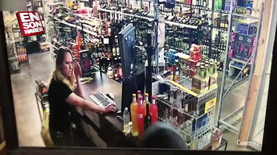 Vazgeçmeyen hırsız anne-kızla çatıştı