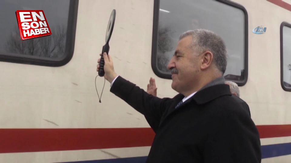 Ulaştırma Bakanı Arslan Doğu Ekspres klibinde rol aldı