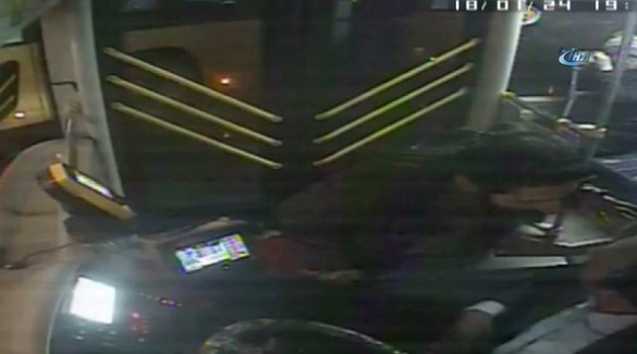 Otobüs şoförüne tornavidalı saldırı