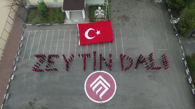 Öğrencilerden Mehmetçiğe koreografili teşekkür