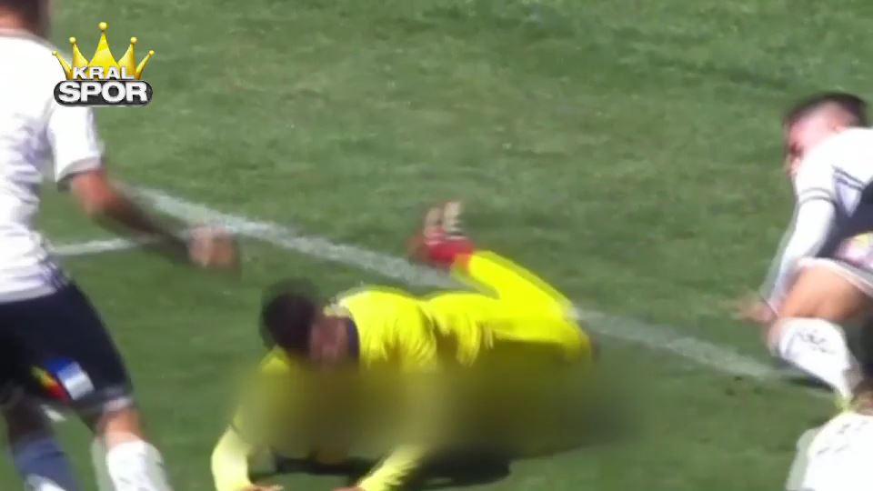 Hakemi kandırıp penaltı aldı