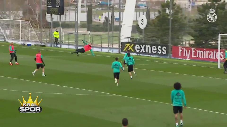 Ronaldo antrenmanda da röveşata golü attı