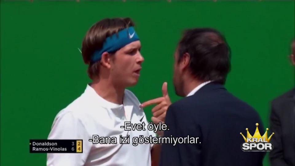 Amerikalı tenisçi Donaldson, hakemin üzerine yürüdü