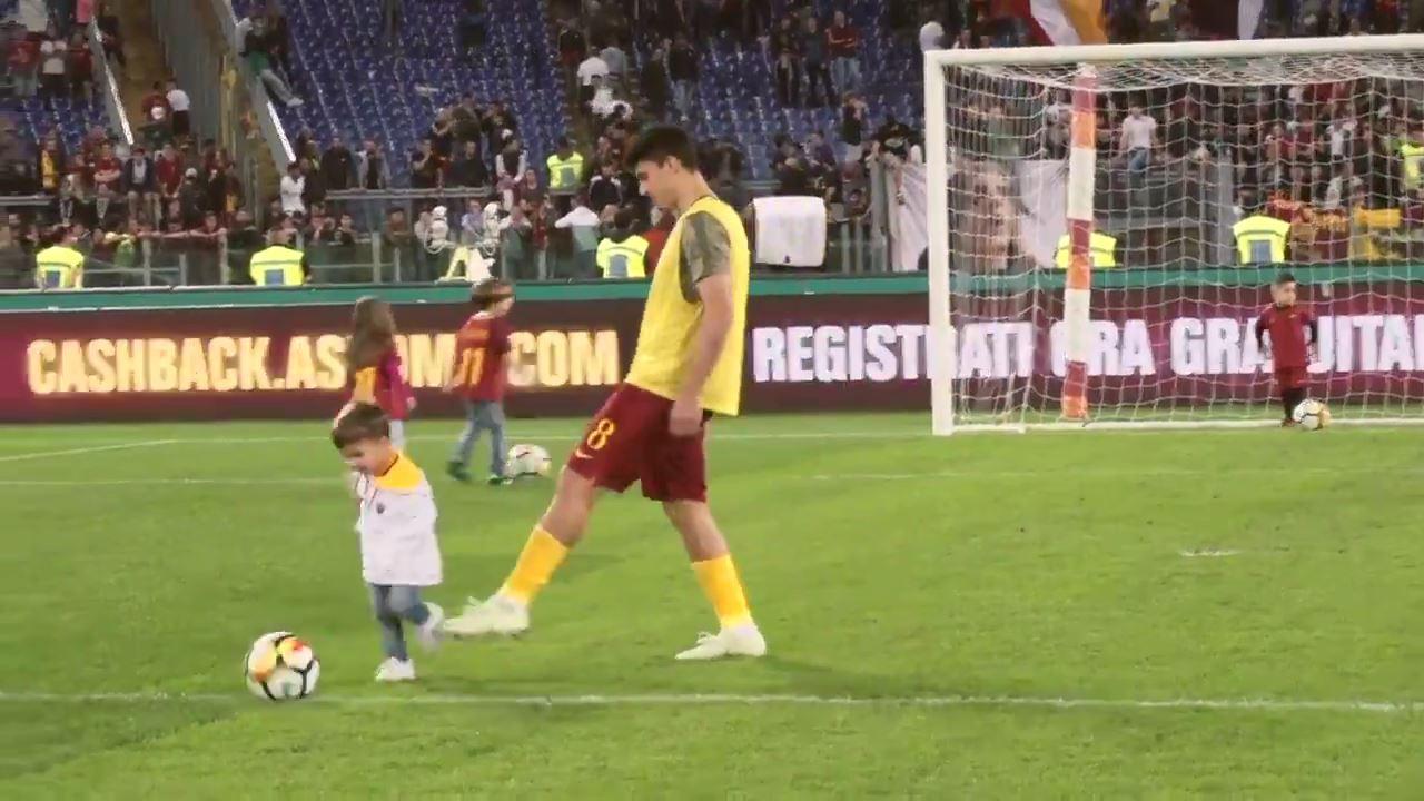 Roma Futbol Kulübü'nün paylaştığı komik video