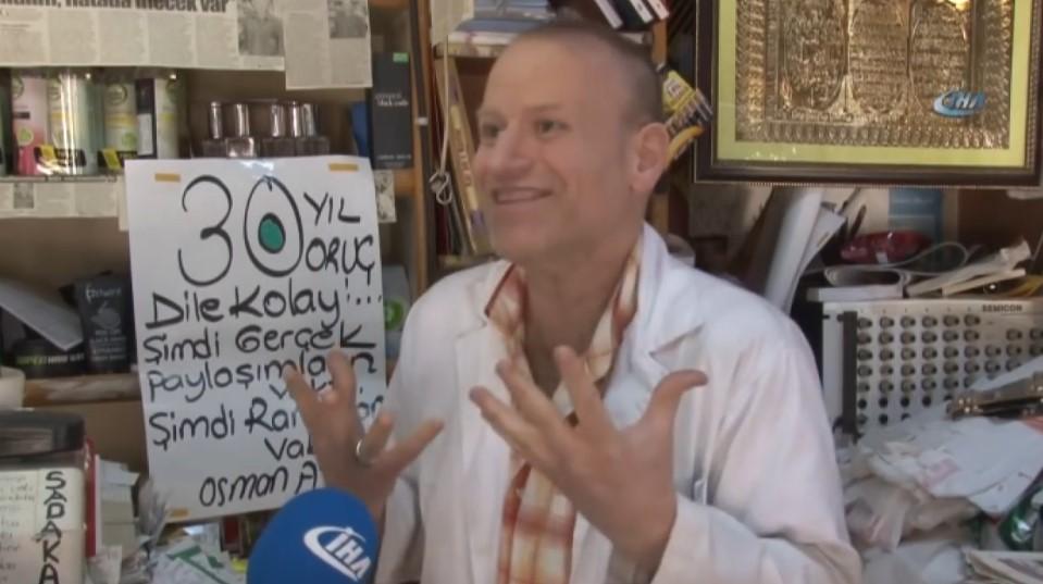 30 yıldır oruç tutan Gölcüklü esnaf Osman Ay