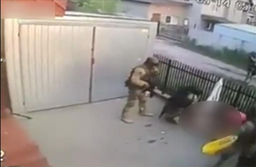 Polisi kapısında görünce camdan düşen çete üyesi