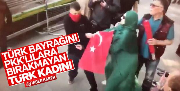 Türk bayrağını PKK'lılara vermeyen kadın
